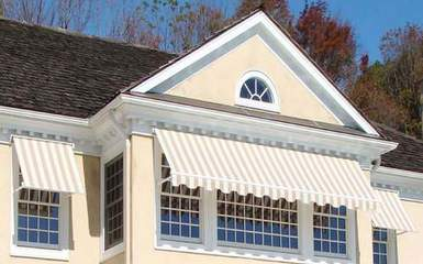 retractable-window-awnings-keeping-a-house-cool