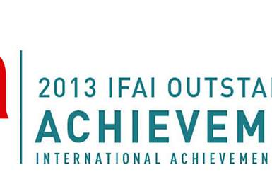 Retractableawnings.com® wins International Achievement Award - 2013