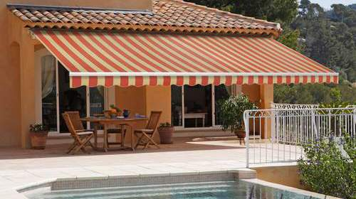 retractable-patio-awnings-providing-shade