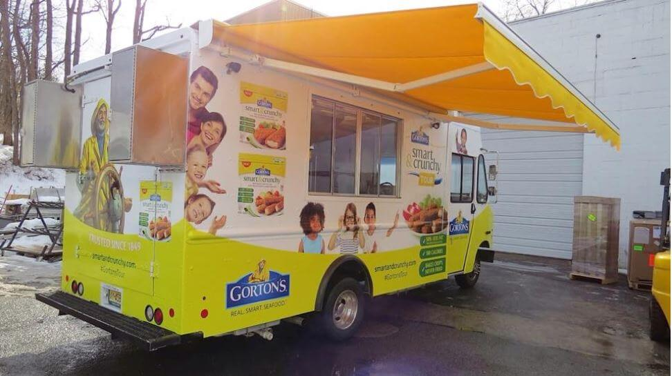 retractable food truck awning