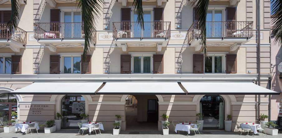 hotel retractable awnings