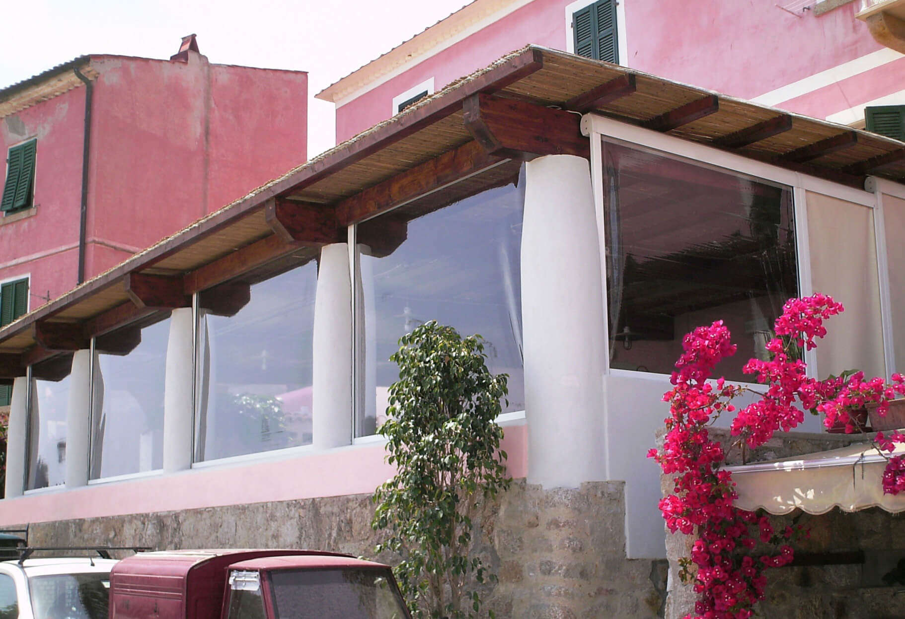 Vertical Drop Awnings Screens The Terni D Screen