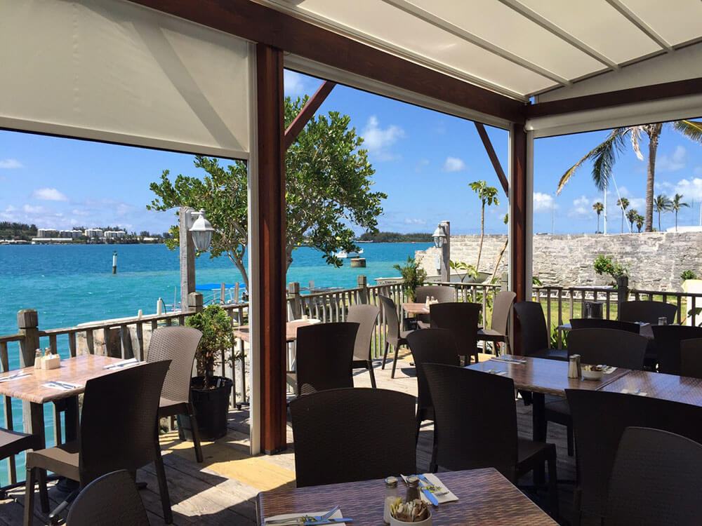 retractable awning, Wahoos Restaurant - Bermuda
